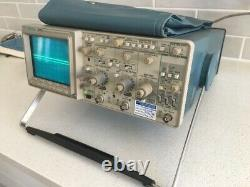 TEKTRONIX 2221A 100 MHz DIGITAL STORAGE OSCILLOSCOPE TESTED with all the accesso