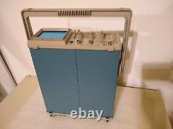 Tektronix 2211 50 MHz Two Channel Digital Storage Oscilloscope DSO