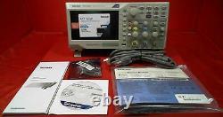 Nouveau Tektronix Tbs1052b Digital Storage Oscilloscope 50mhz Samps 1gs / S Samp