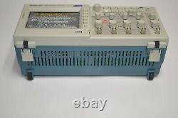 Nouveau Tektronix Tds2024c 4ch 2gs / 200mhz De Couleur Tft De Stockage Numérique Oscilloscope