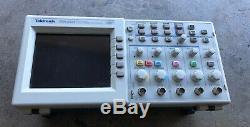 Tektronix 200 Mhz Tds2024 Quatre Canaux De Stockage Des Oscilloscopes Numériques Tds 2024
