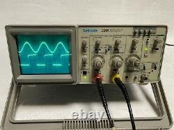Tektronix 2201 Avec Option 12 Oscilloscope De Stockage Numérique