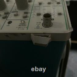 Tektronix 2212 60mhz Oscilloscope De Stockage Numérique