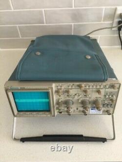 Tektronix 2221a 100 Mhz Stockage Numérique Oscilloscope Testé Avec Tous Les Accesso