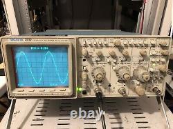 Tektronix 2232 Oscilloscope Analogique Avec Stockage Numérique 100mhz Possible Cal