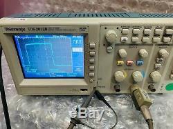 Tektronix Tds2012b 2 Canaux 100mhz 1gs / De Stockage Numérique Oscilloscopes Tds2012b