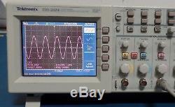 Tektronix Tds2024 Withtds2cm / Tds2cma 200mhz Digital Storage Oscilloscope 4-ch