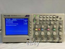 Tektronix Tds2024c Quatre Canaux Oscilloscope À Mémoire Numérique 200mhz 2gs / S