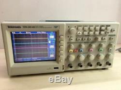 Tektronix Tds 2014b Quatre Canaux Oscilloscope À Mémoire Numérique / 100m Hz 1gs / S