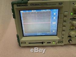 Tektronix Tps2014 Storage Oscilloscope Numérique 100mhz 4 Canaux Analogiques Isolées